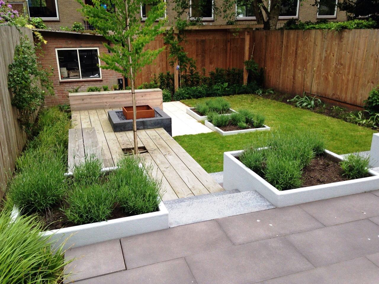 Moderne tuin met hoogteverschil te zwolle korsian tuinontwerp en